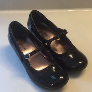 American Eagle patent and glitter Mary Jane SZ 4.5